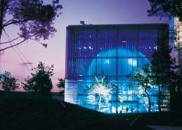 VW-Markenpavillon Wolfsburg | Auftraggeber: Dyckerhoff + Widmann AG, 38448 Wolfsburg | Architektur: Henn Architekten u. Ingenieure, München/ Berlin | Leistungsumfang: Bau- und Raumakustische Planung, Schwingungstechnische Beratung | Realisierung: 2000